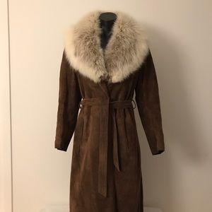 Vintage Women's suede coat with fur collar